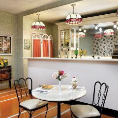 Ice cream parlor & gourmet coffee shop - Complimentary and open seven days a week.