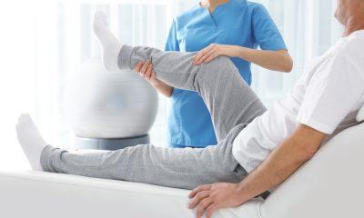 https://www.whitehallofdeerfield.com/wp-content/uploads/2021/09/PHOTO-Shutterstock-WH-2021-POST-HOSPITAL-RECOVERY-Headless-therapist-with-patient-leg-400x240.jpg
